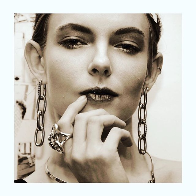 All adorned with the LINKS collection  #beauty #photoshoot #artshow #3dprinting #rings #earrings