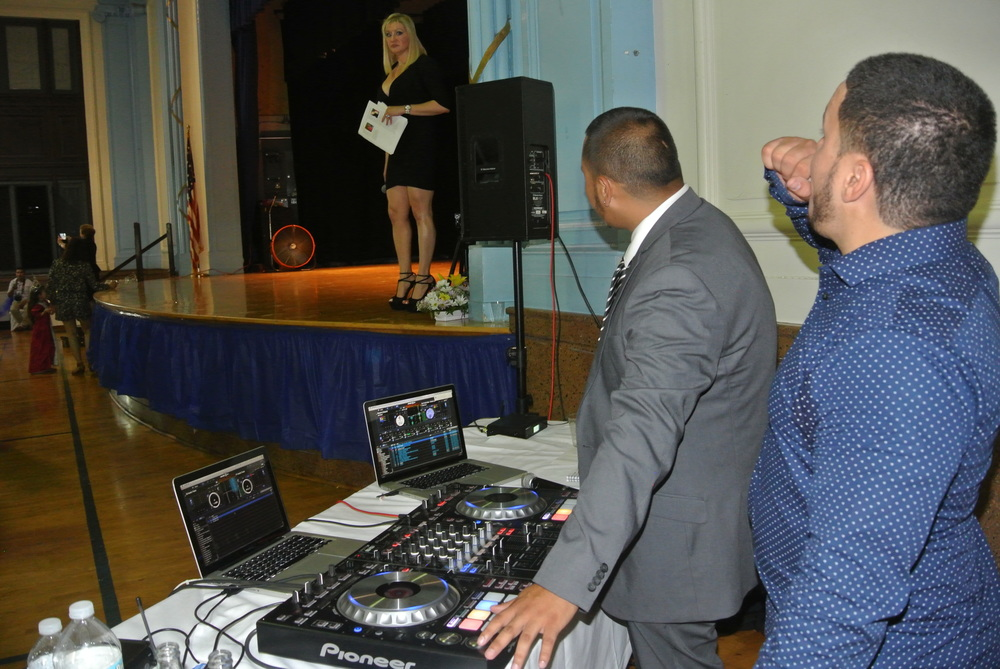 Kerlyn Espinal & DJShulomixx.com