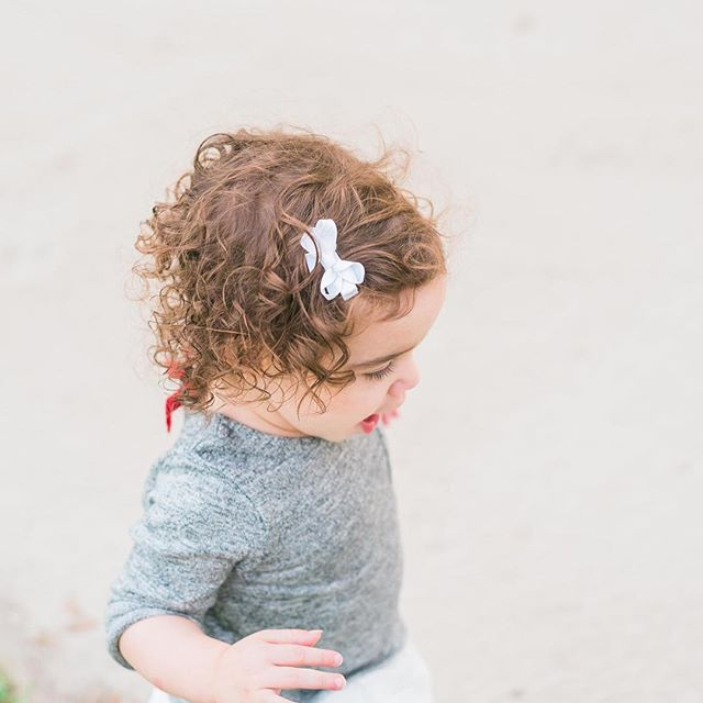 That hair! This little lady's curls are just perfect! ⠀ ⠀ . . . ⠀ ⠀ #Miami #uniteinmotherhood #theartofbeingamother #motherhood #miamiphotographer #miamiphotography #childrenphotographer #mastinlabs #wearemadeofmatter #thefountcollective #miamifamilyphotographer #thelifestylecollective #lifeandlensblog  #lookslikefilm #makeportraits #letthekids #clickmagazine #lemonadeandlenses #lightinspired #littleandbrave #documentlife #dearphotographer #nothingisordinary #familycontest #thebloomforum #primeraw #primerawphotography