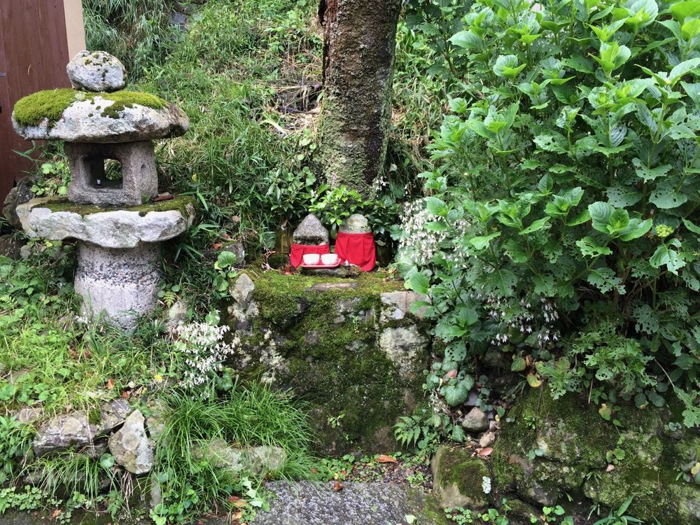 Cute nook in Sanzen-in