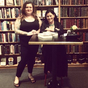 Who got to stand quietly next to Diana Gabaldon? This girl right here!