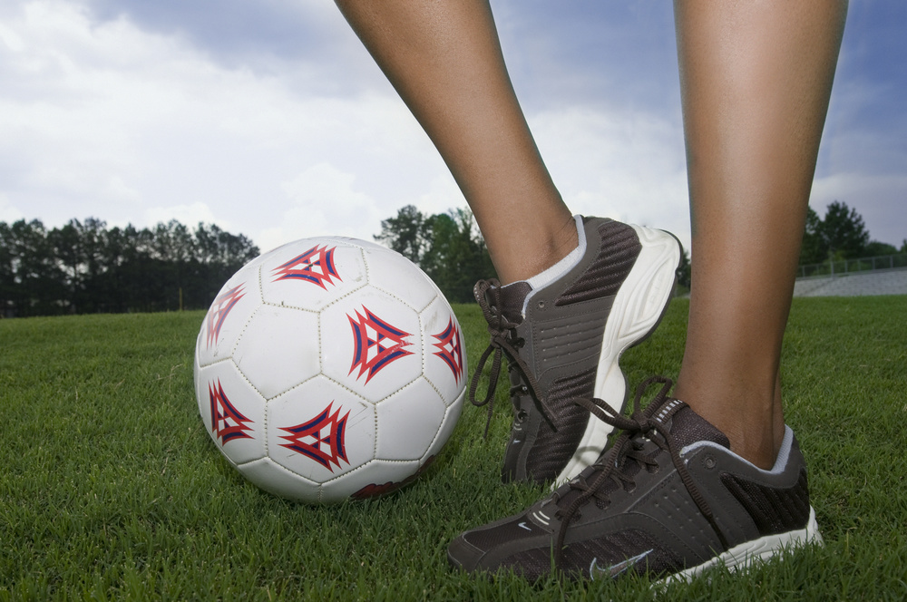 common soccer injuries include ankle sprains, knee sprains including mcl, acl, and meniscus tears. chiropractors have excellent diagnosis and treatment plans for fast recovery and quick return to play.