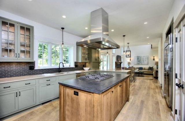 KITCHEN TO FAMILY ROOM.jpg