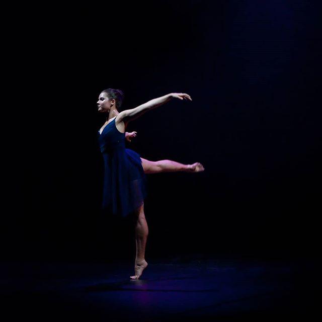 @paulistersummerville in #amore. Photo Credit: @circeadena #danceinthemoonlight #danceinredding #dance #ballet #contemporarydance #thisisredding #reddingca #promtingartsnow