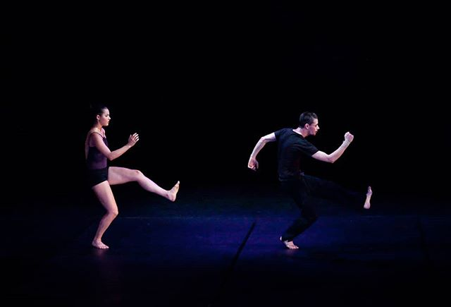 @paulistersummerville @jedidiahtaylor in #amore. Photo credit: @circeadena  #danceinthemoonlight #rehearsal #slowmotion #danceinredding #dancers #ballet #modern #contemporarydance #reddingca #promtingartsnow