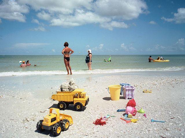 Fort Myers, FL - 2013.  #filmisnotdead #mediumformat #atthebeach