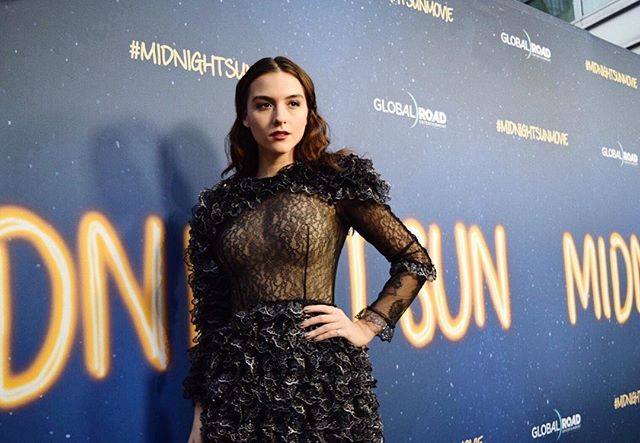 #repost @quinnshephardofficial 🔥🔥🔥on the carpet for @midnightsunmov