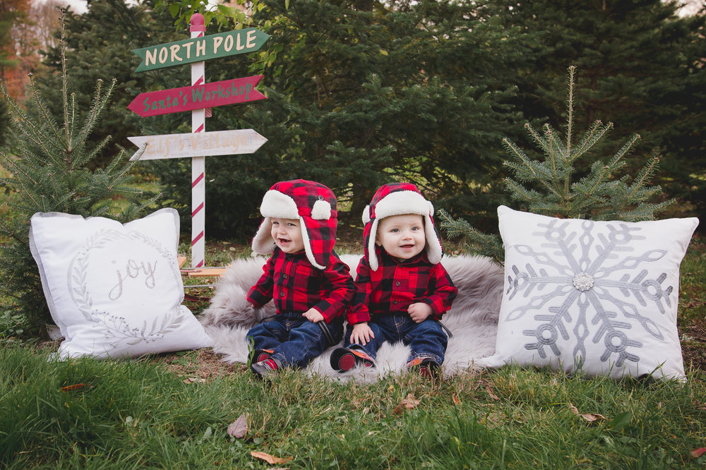 twins-holiday-charlotte-child-photographer