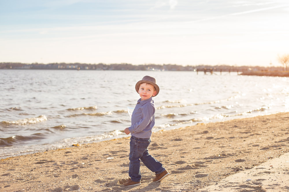 beach-boy-charlotte-child-photographer