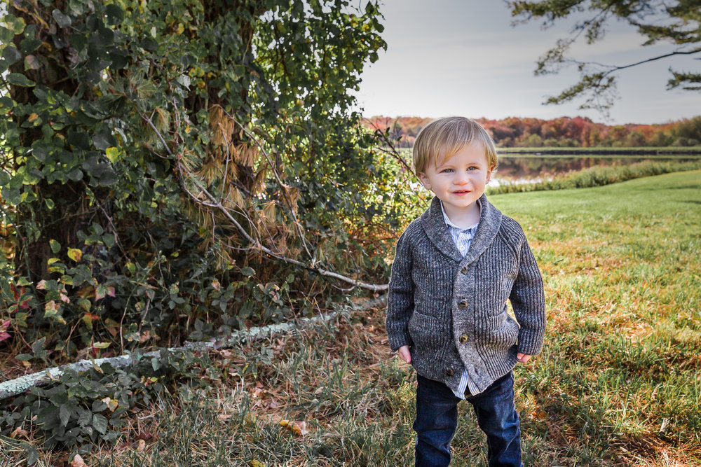 boy-autumn-charlotte-child-photographer