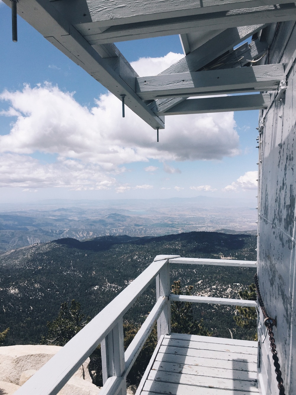 The lookout at Tahquitz Peak.