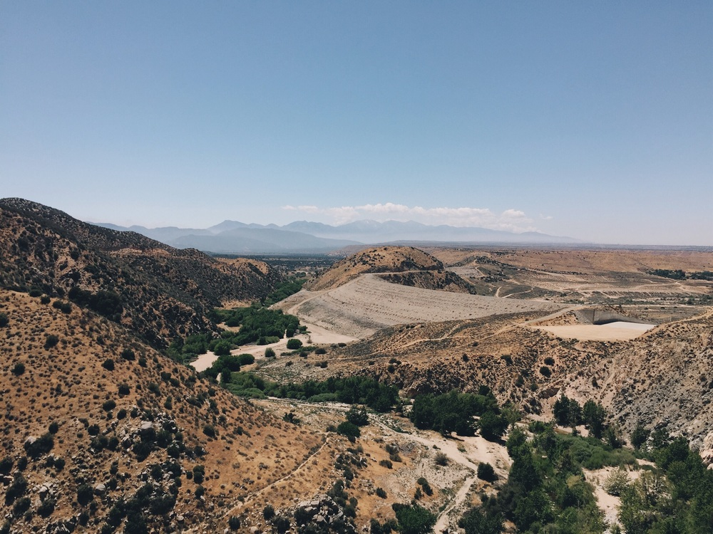 The view of the Mohave River Dam from above.