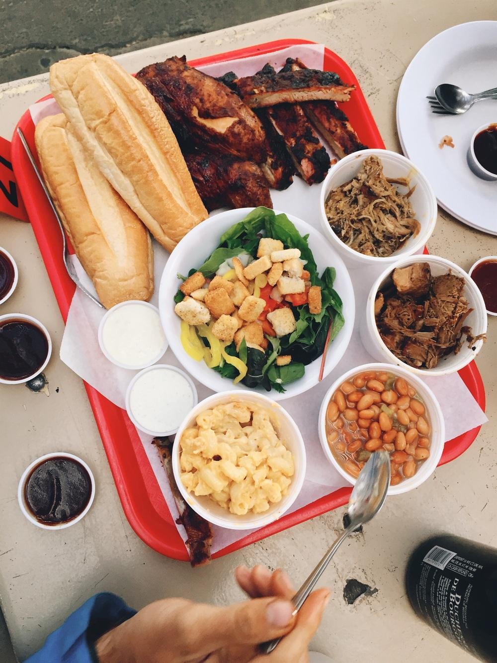 L&R's bbq half feast.