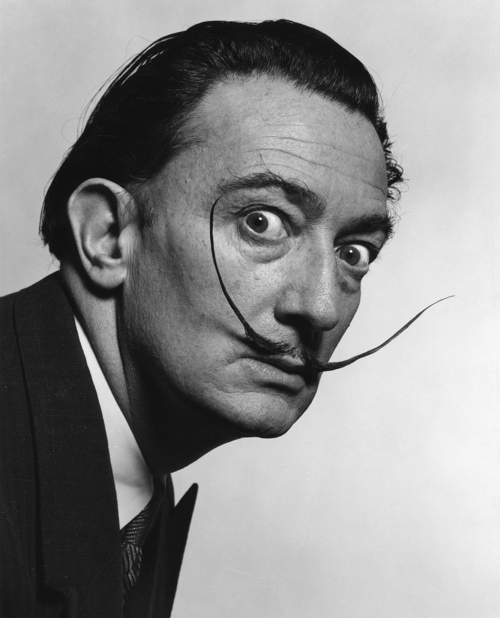 The Dali :Dali's moustache was slender type, waxed with the tips curled upward. Time to get: Five to seven months Surreal, and completely unserious. Worn by: Salvador Dali