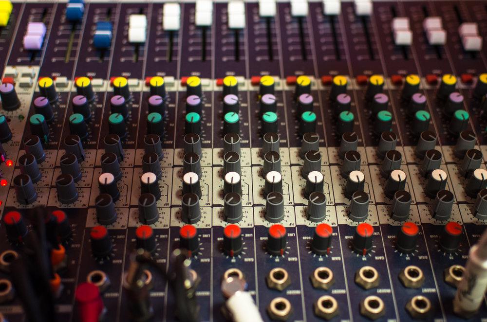 DJ professional mixer technology