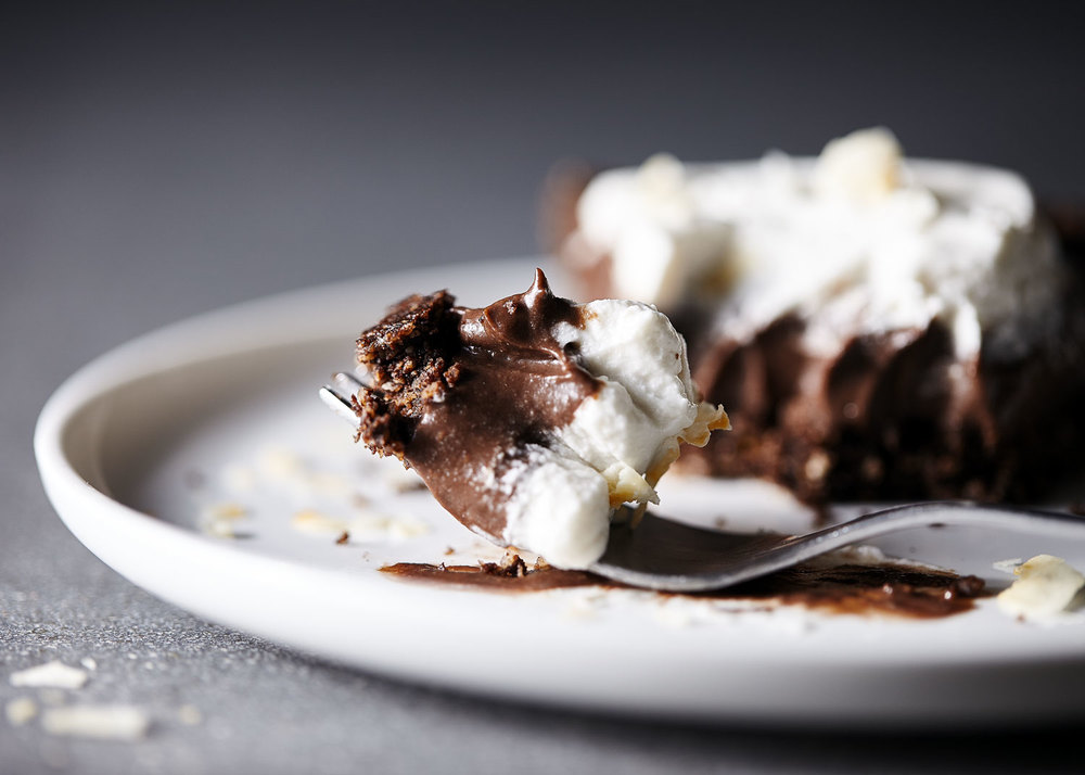 Vegan Chocolate Coconut Cream Pie // Natural Girl Modern World // Vegan & Gluten Free