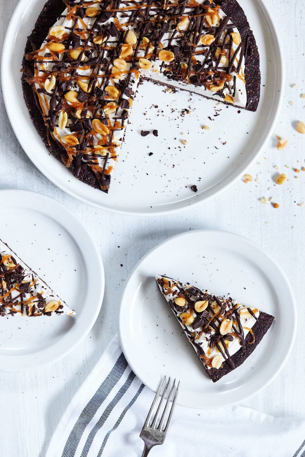 Chocolate Caramel Ice Cream Pizza // Natural Girl Modern World // Vegan & Gluten Free