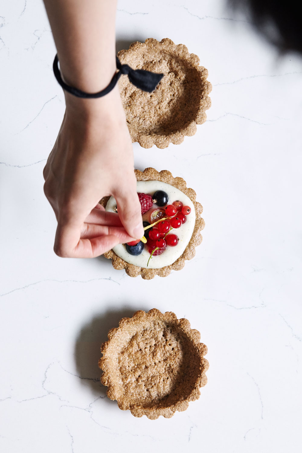 Berry Tarts with Lemon Vanilla Cream // Natural Girl Modern World // Vegan & Gluten Free