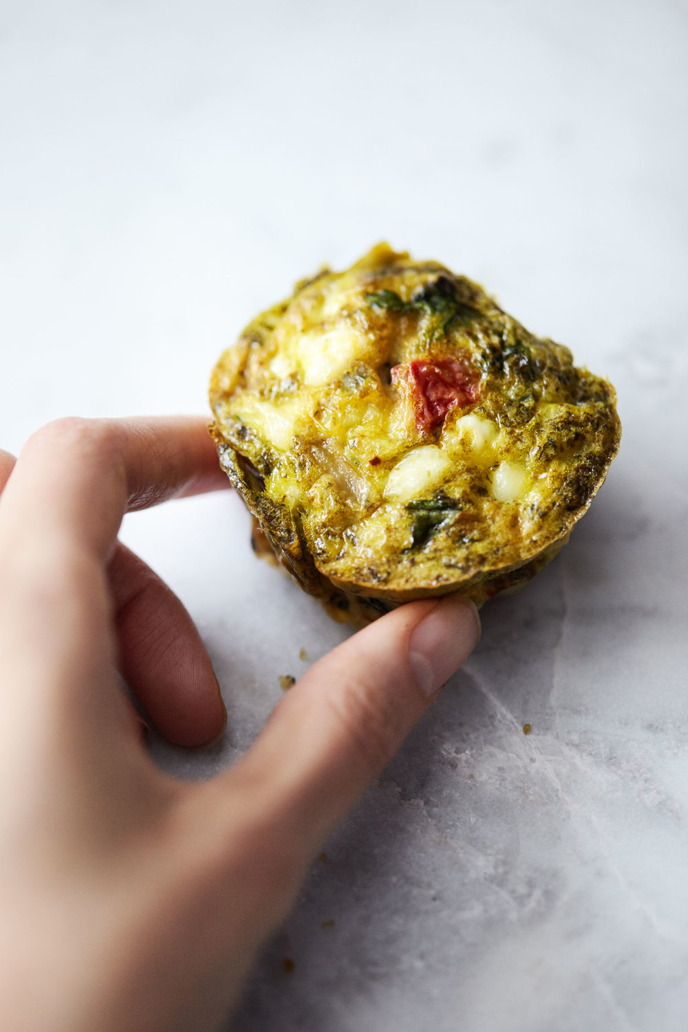 Easy Pesto Egg Muffins // Natural Girl Modern World // Vegetarian & Gluten Free