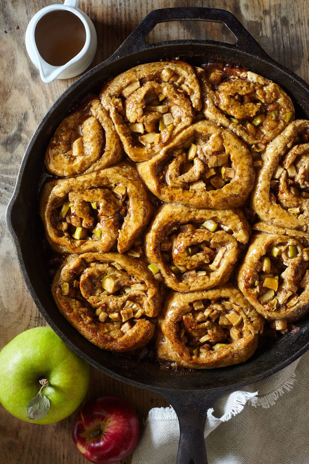 Caramel Apple Sticky Cinnamon Buns // Natural Girl Modern World // Vegan