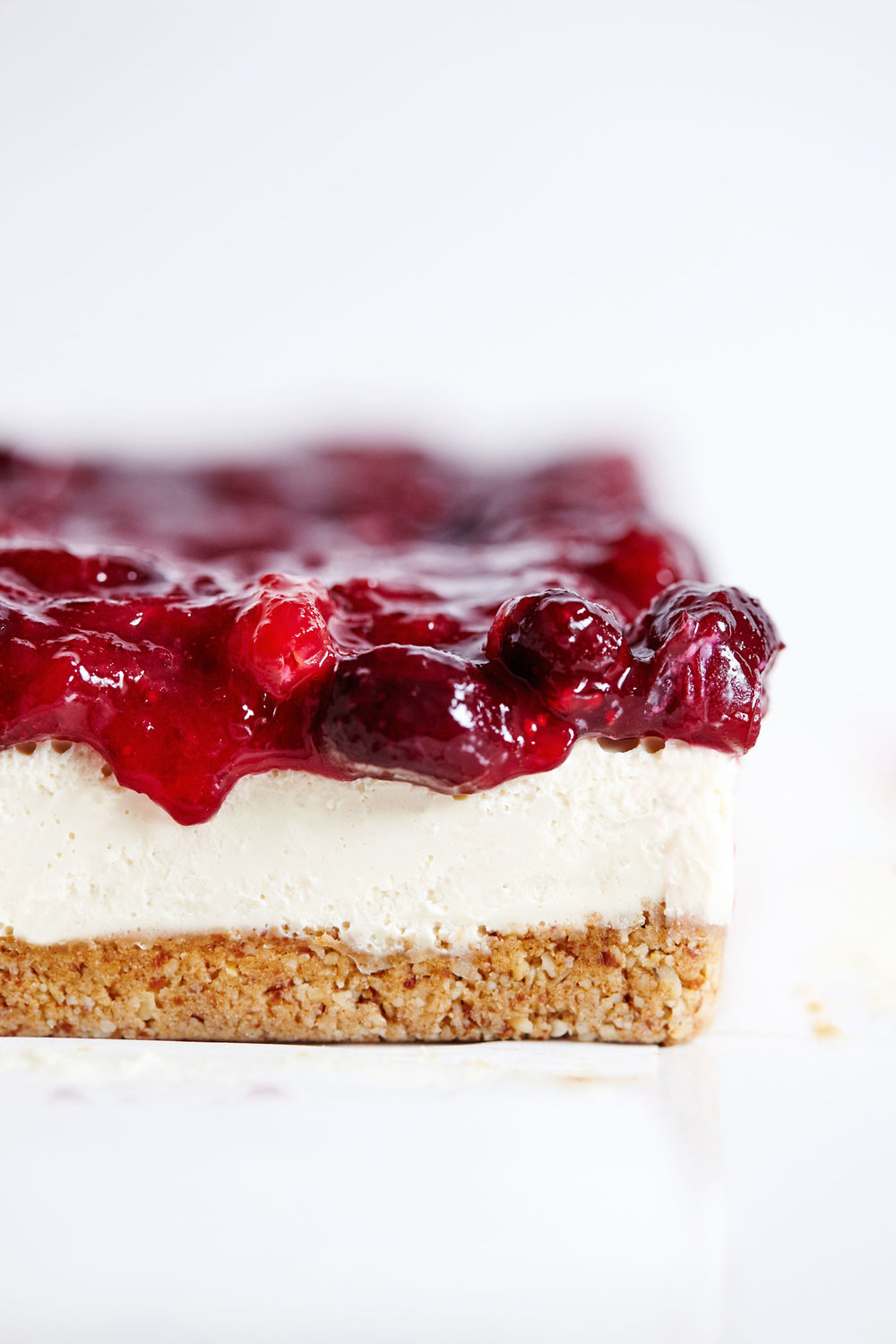 Vegan Cranberry Cheesecake Bars // Natural Girl Modern World // Vegan & Gluten Free
