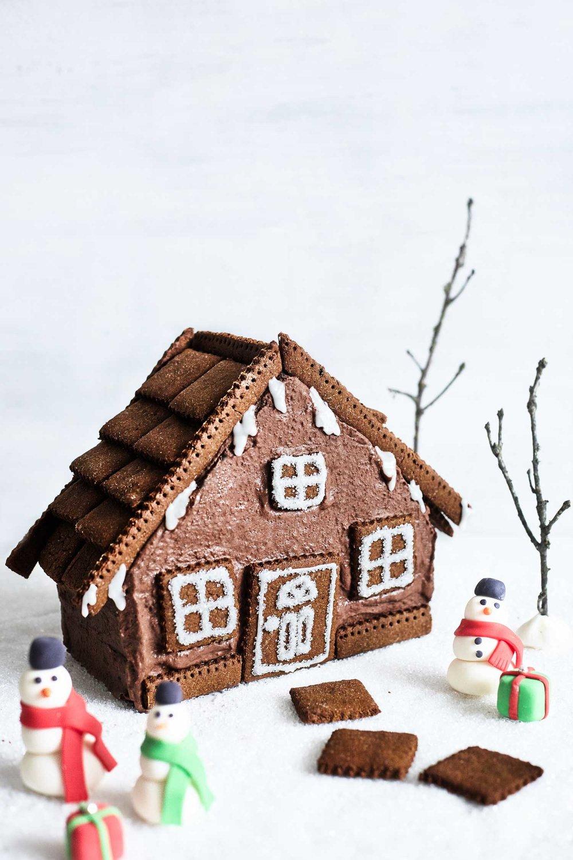 Gingerbread-Cake-House-Evergreen-Kitchen-1.jpg