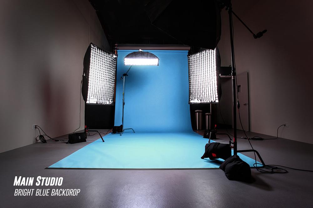 RedLab-Studios-North-Hollywood-19-Studio-Blue-Background-9128.jpg