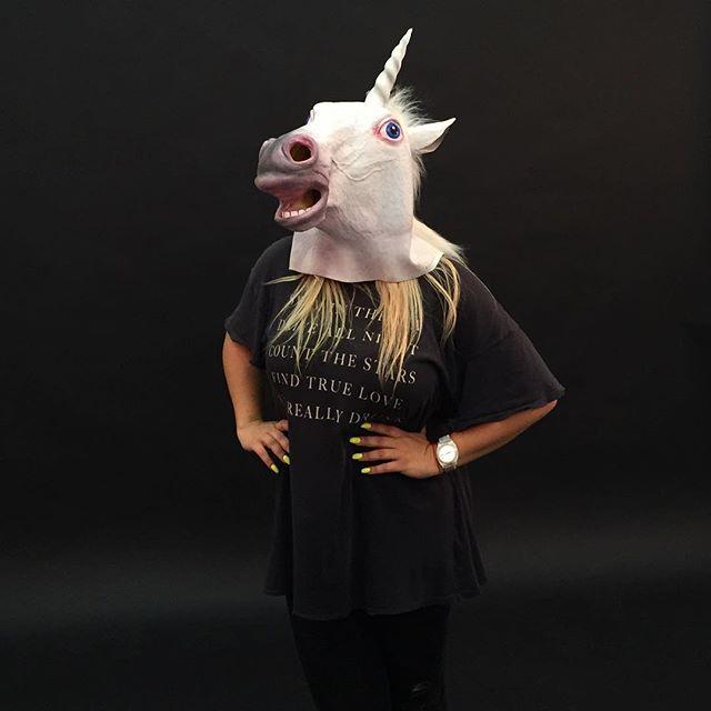 simonamalibu Unicorns on set 😎