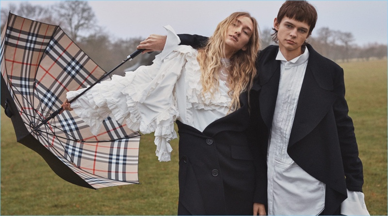 Burberry-2017-Spring-Campaign-001.jpg