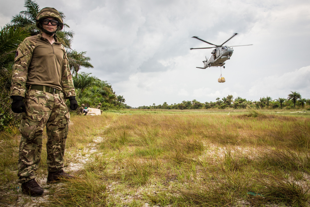 British helicopter delivers food aid