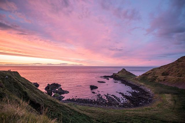 A spectacular sunset at The Giant's Causeway in Northern Ireland #giantscauseway #northernireland #sunset #landscape #sonya7rii #hdr #hdr_beautiful_landscapes #ireland #antrimcoast #A7rii #photooftheday #landscapelovers #photography