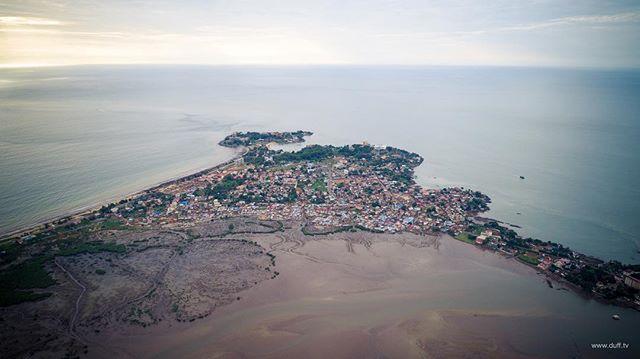 The view over Aberdeen this evening #sierraleone #salone #photography #aerialphotography #drone #africa #everydayafrica #landscape #atlanticocean #photooftheday @djiglobal @natgeotravel @lonelyplanet @guardiantravelsnaps @visitsierraleone @everydayafrica @djiglobal @joel_stanton @jeffhannfilms @nytimestravel @sierraleonephotos @sierra_network_salone