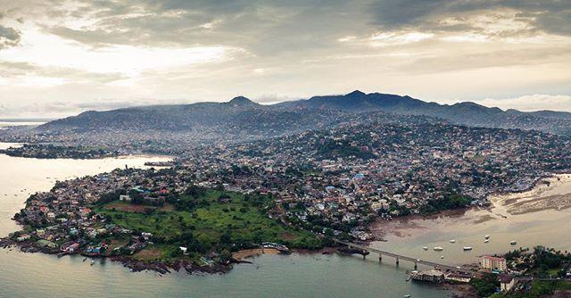Good morning Freetown #sierraleone #freetown #aerialphotography #salone #morning #goodmorning #wednesday #landscape #dji #drone #dronestagram #travel #travelphotography #westafrica #africa #freetong