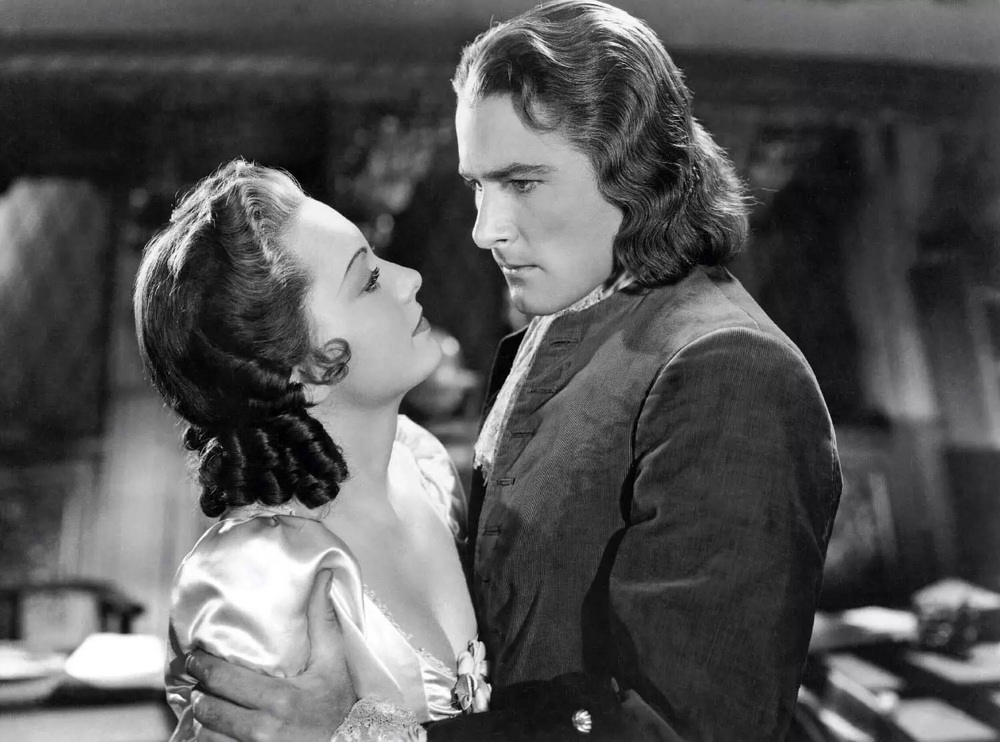 Olivia de Havilland and Errol Flynn in Captain Blood