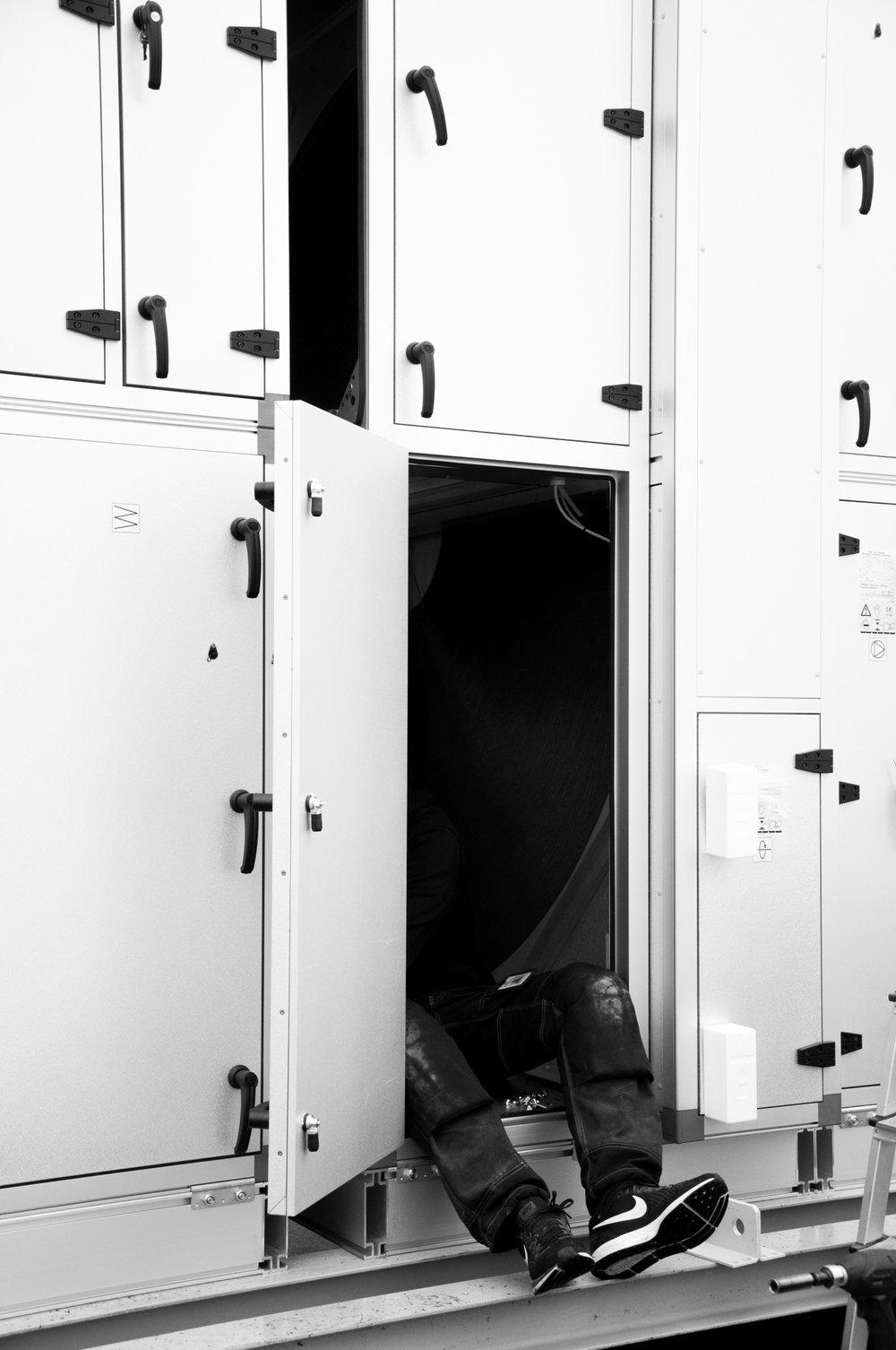 Servicetekniker, Montör  Ledig tjänst  Vi söker flera engagerade ventilationsmontörer till vår högkvalitativa verksamhet.  Vi söker dig som arbetat med montering av ventilationssystem några år och har erfarenhet om hur ett system fungerar som helhet och klarar av att arbeta självständigt.  Du behöver ha kunskap om hur man tolkar ventilationsritningar samt hur egenkontroller och återrapportering fungerar i praktiken. Vi ser det även som meriterande om du har erfarenhet av digital rapportering då alla våra interna system ligger webbaserat.  Körkort är önskvärt men inget krav. Vi lägger större vikt på personlig lämplighet, flexibilitet, samarbetsförmåga och noggrannhet.  Välkommen med din ansökan!  ansok@sterco.se