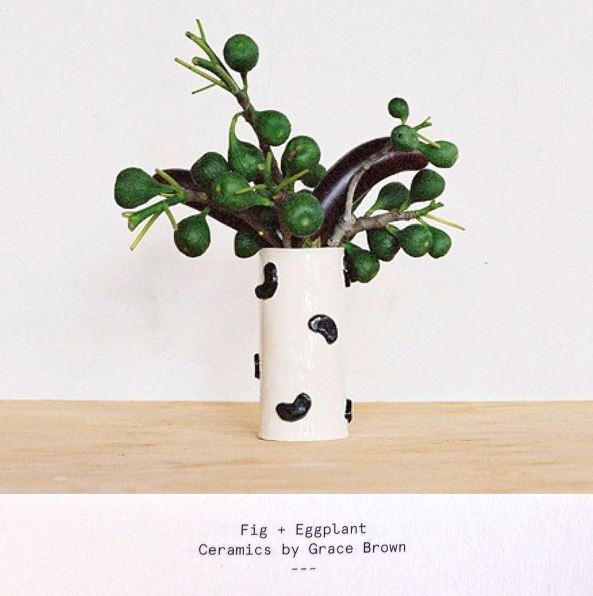 Porcelain wiggle vase