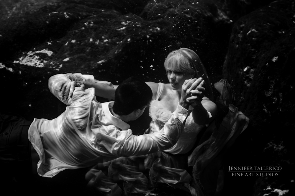 Jennifer_Tallerico_JTNoir_Underwater_Photography_Salt_Springs_Ocala_Photography_Couplesunderwater7_2015.jpg