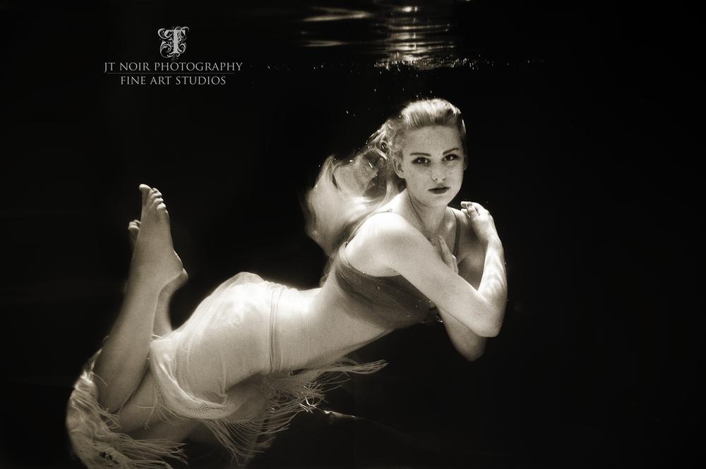 JTNoir_Photography_Underwater_Boudoir_Mandy_6_2015_3.jpg
