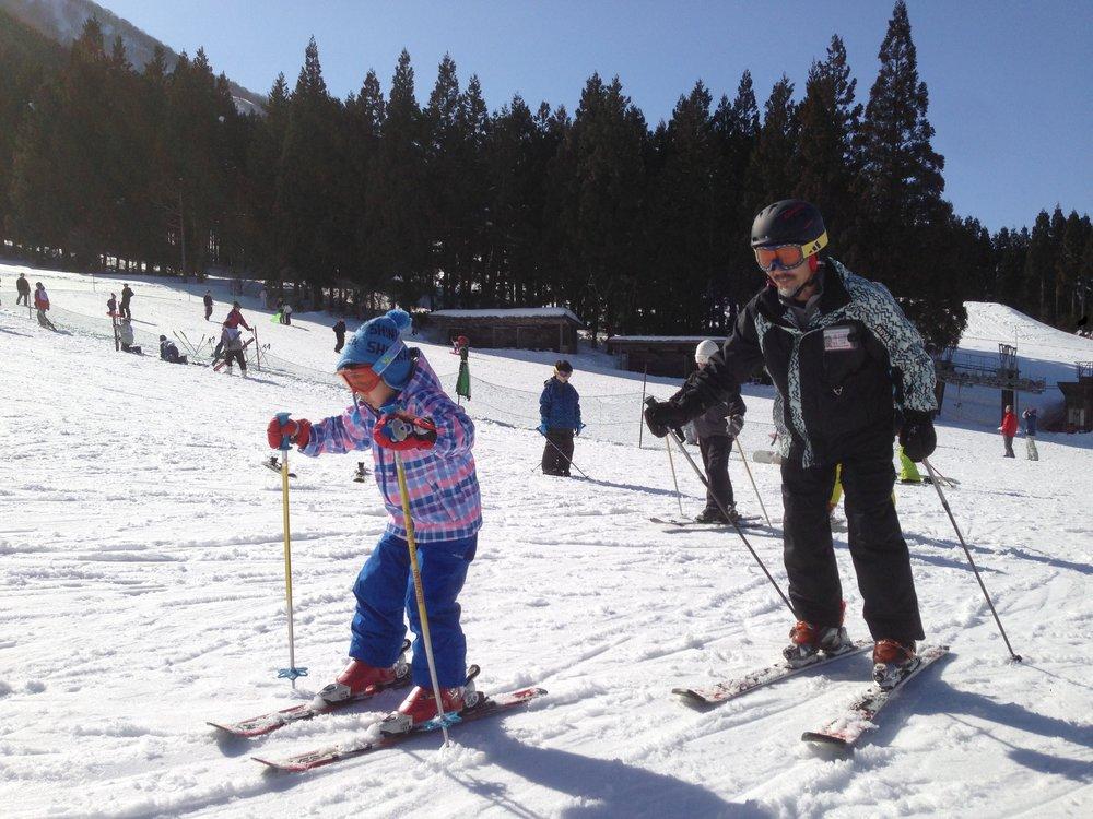 スキー指導は今年も遊佐文博さんと加藤久さん。