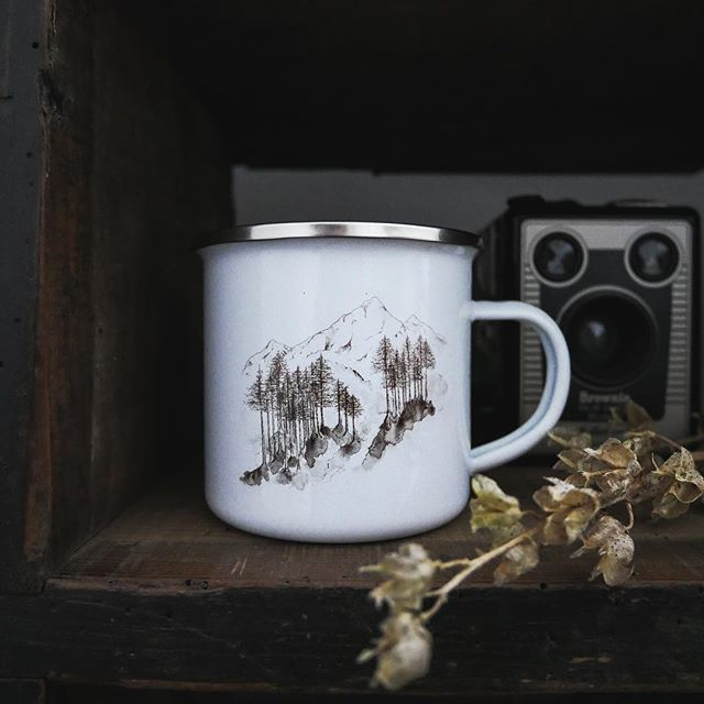 Oh my do we have a treat for all you enamel lovers out there..... @featherandwild have dropped off a whole bundle of mighty fine pieces...including these mugs....2 designs to choose from....love them x  Will show you what else she dropped off at a later date....ooooooohhhh!!! Or just come in to the cafe and have a look!!! . . . . . . . . . #rattleghyll #rattleghyllcafe #localartist #cumbrianart #enamal #enamalmugs #cafelife #art