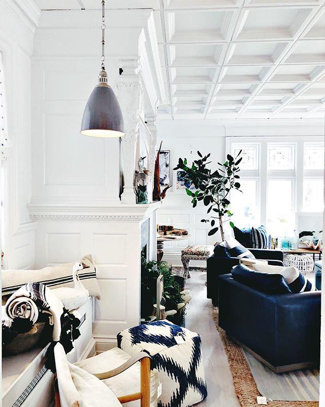 @onekingslane in the Hamptons is a dream house in itself 😍 #edhamptons #elledecor #southampton #hamptons