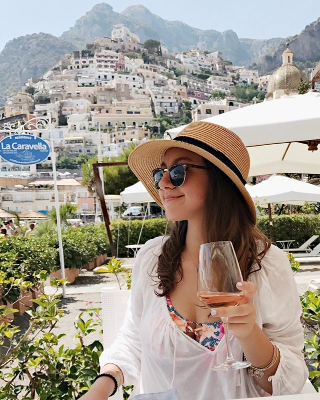 Can't wait to go back to living my ~best life~ in a week...But this time in the French Riviera 😍☀️ #summertime #positano #flashesofdelight #thatsdarling