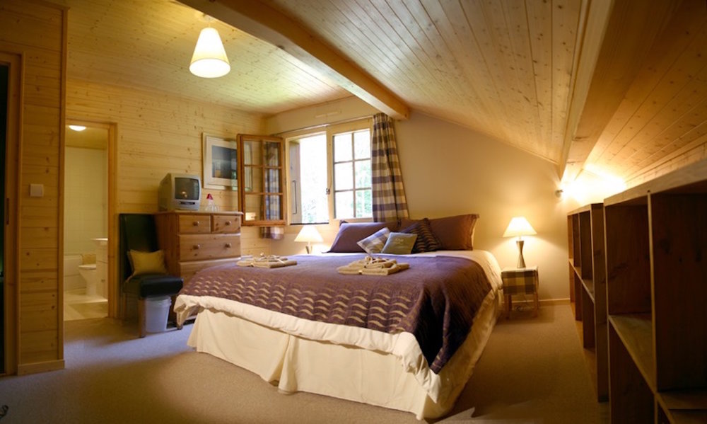 bed_nobalcony.jpg