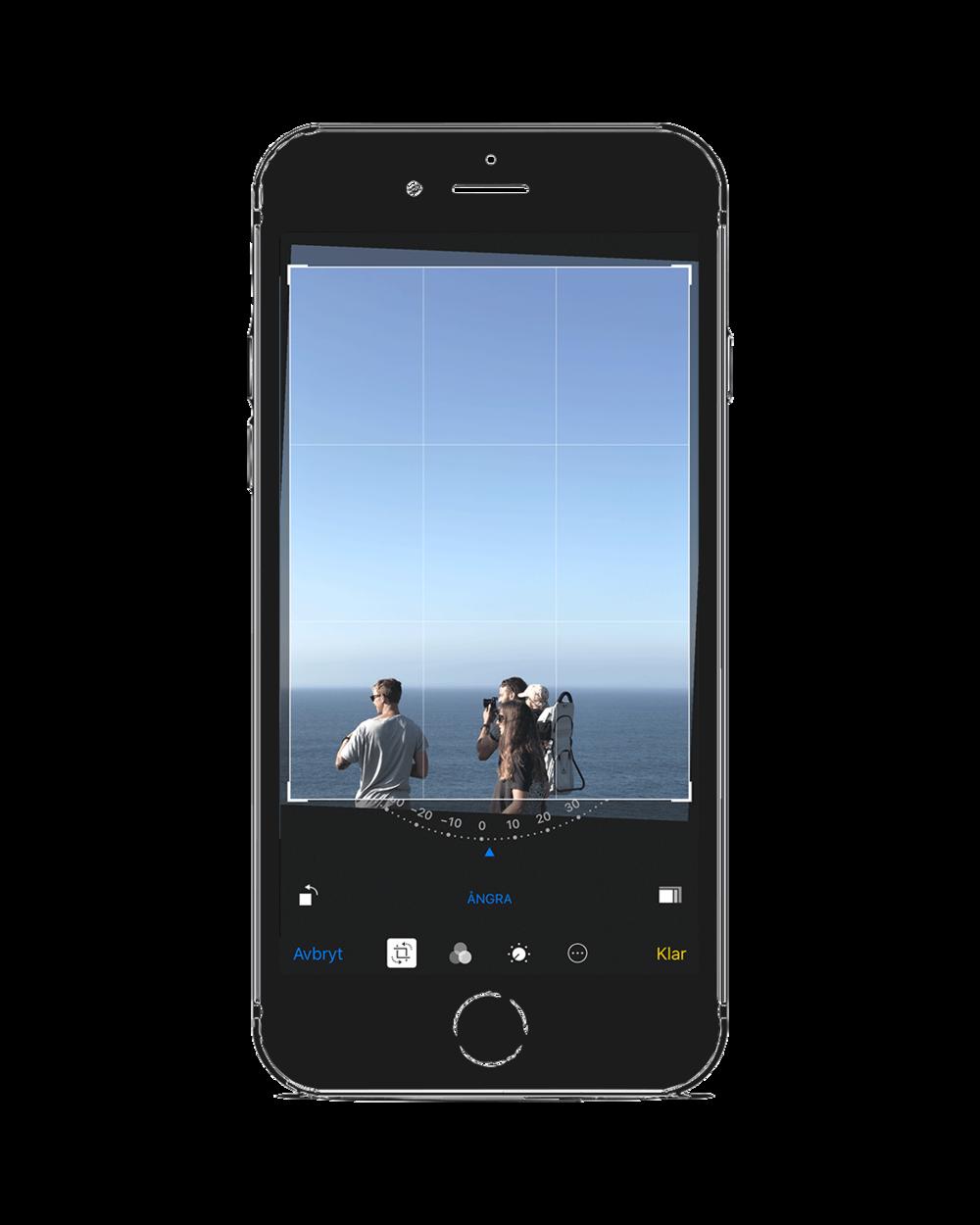Steg 4. Räta upp horisonten - Fotograferar du med en horisont i bakgrunden är det alltid läge att räta upp den. I detta fall beskär vi inte bilden ytterligare, då den redan är komponerad på det sätt vi tycker passar bra.