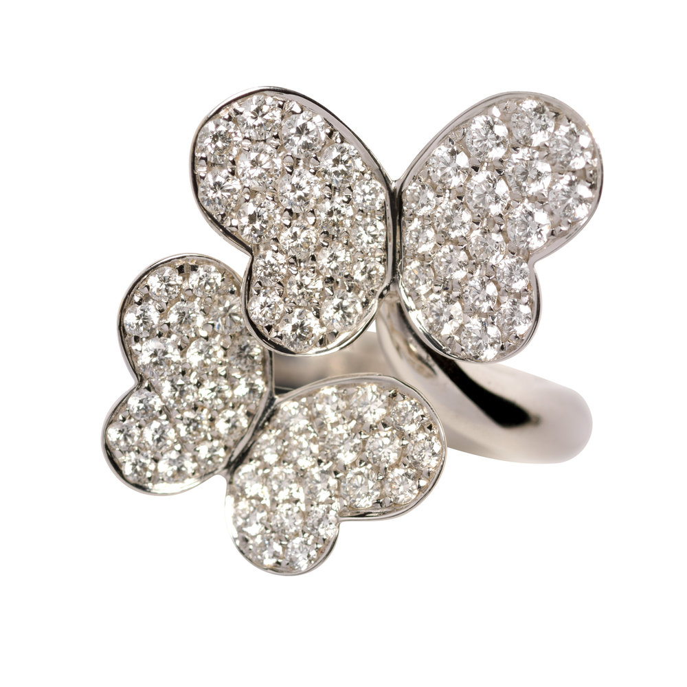 BUTTERFLY RING 45.000 NOK   18 kt white gold with diamonds
