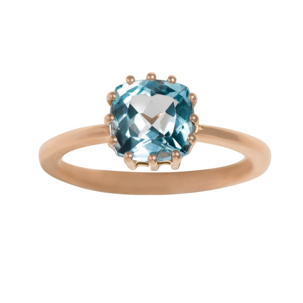JUDITH RING 16.000 NOK. 18 kt rose gold with blue topaz