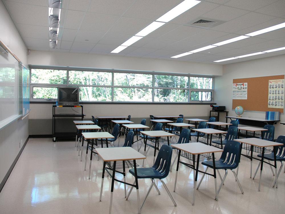 01_classroom.jpg