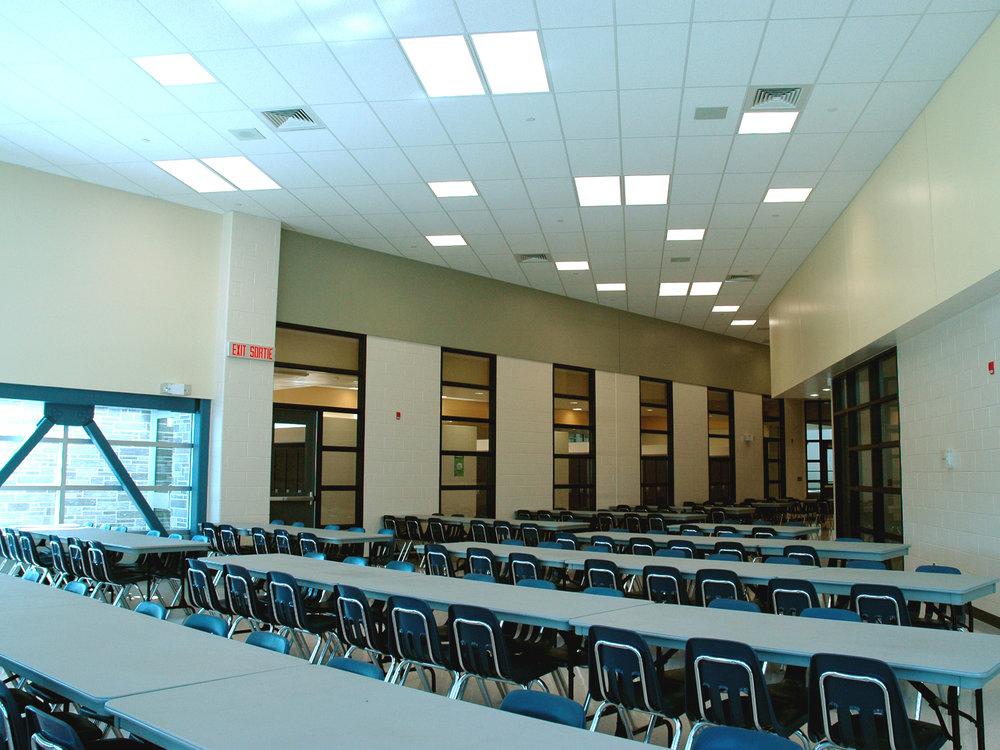 02_cafeteria.jpg