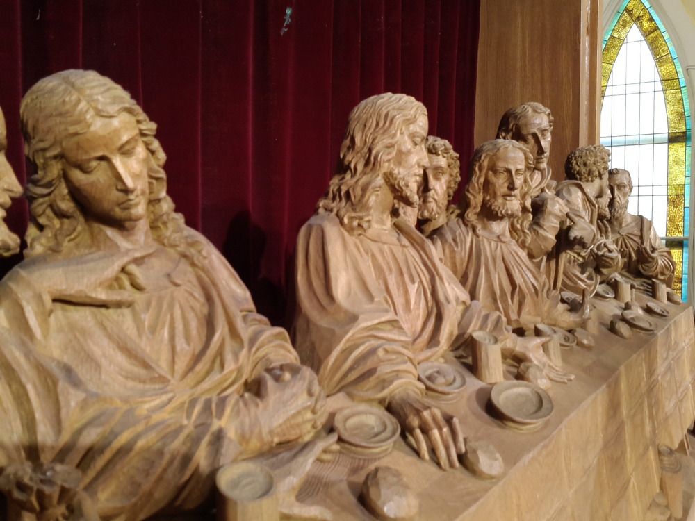 Before waxing: carved oak rendering of The Last Supper c. 1930
