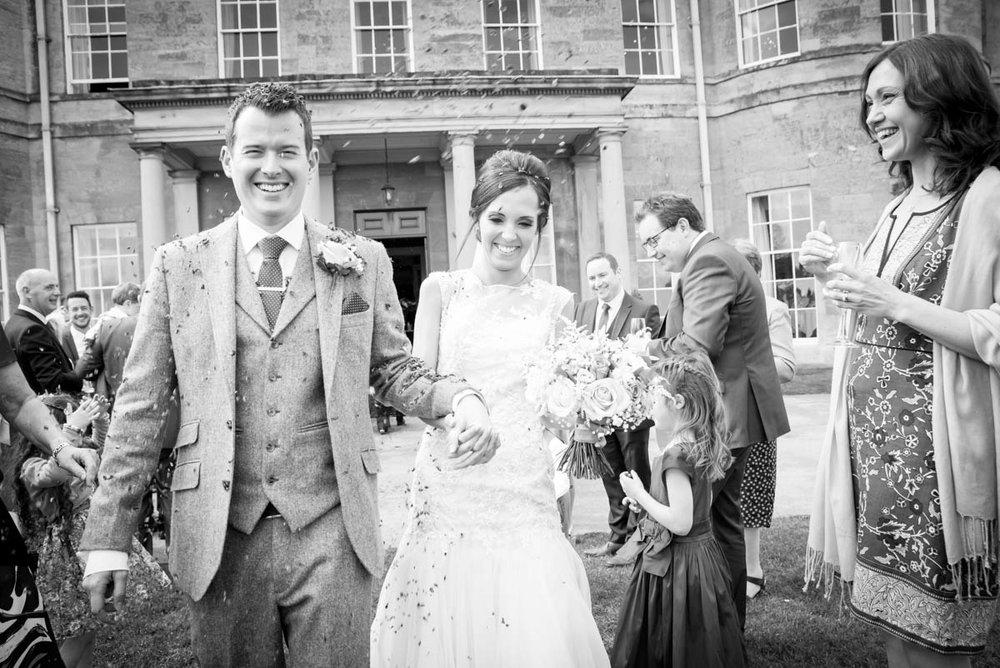 Elaine & Gareth - confetti (1 of 3).jpg
